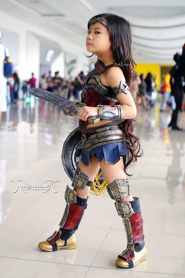 young-girl-cosplay