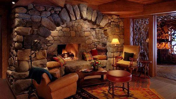 rustikales wohnzimmer mit kamin 533313976761131 274. Black Bedroom Furniture Sets. Home Design Ideas