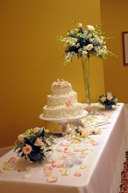 table decorations for wedding cake wedding cake tables allen cake table 199x300 wedding 20734