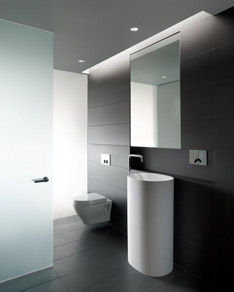Modern Bathroom Design So Pur   Wundervoll, Etwas Ablageflächen Wären Für  Den Gebrauch Hilfreich