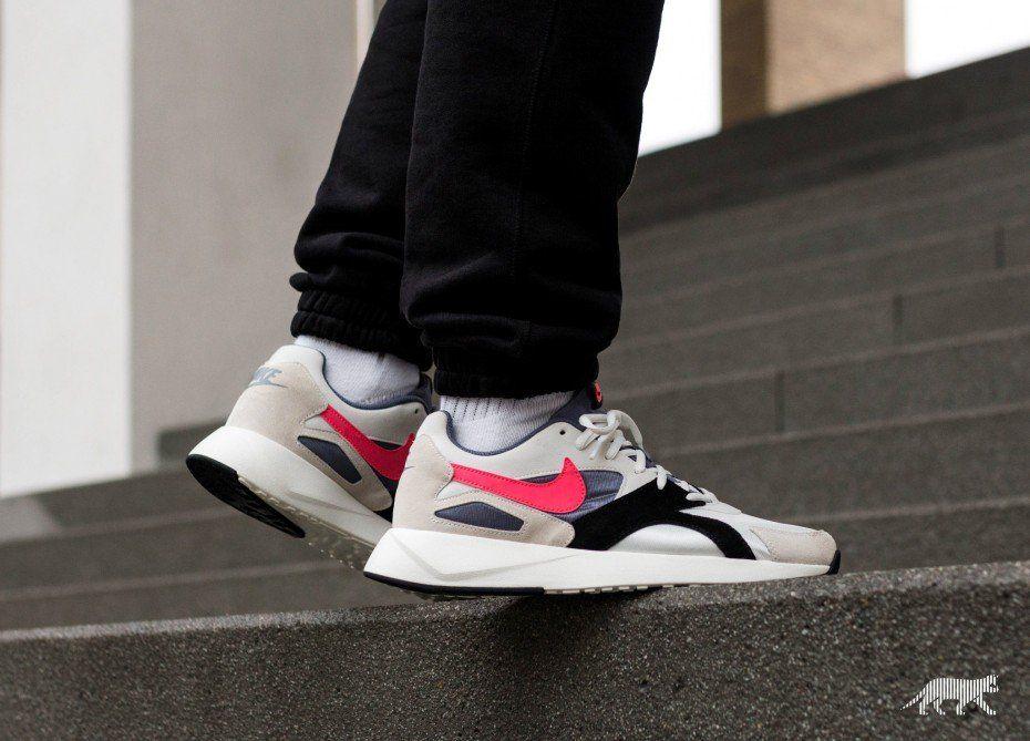 720933e3afb1 Nike Pantheos (Summit White   Hot Punch - Black)   Schuhe ...