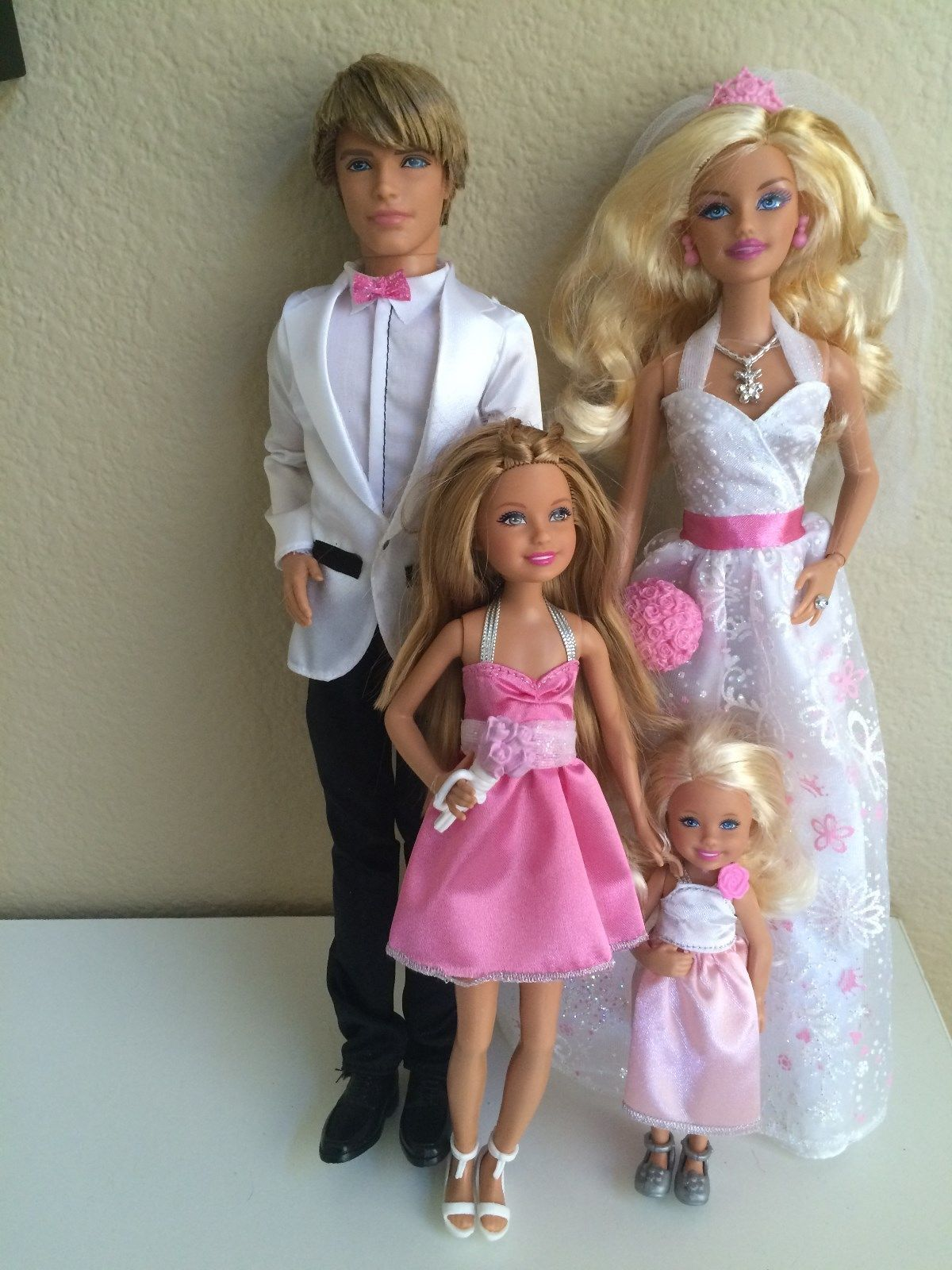2012 Barbie Fairytale Wedding Day Party Gift Set Chelsea