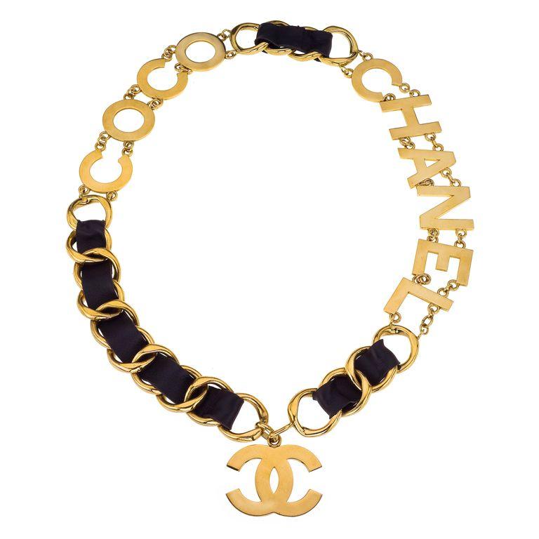 chanel massive coco chanel belt necklace casual pinterest. Black Bedroom Furniture Sets. Home Design Ideas