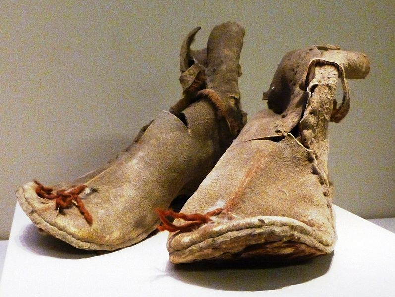 Oxhide Boots From Loulan Former Han Dynasty 220 Bce 8