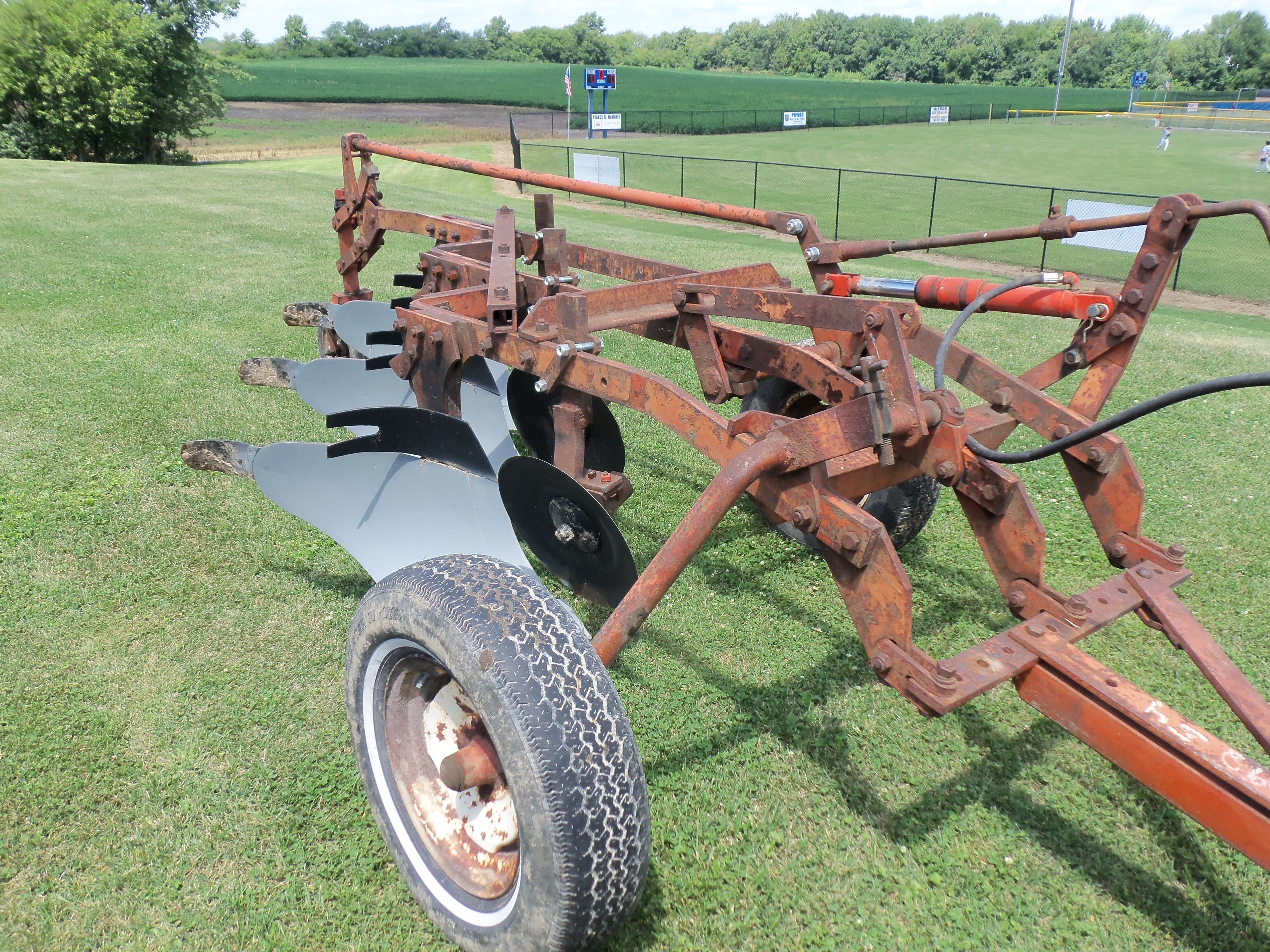 Allis Chalmers 3 bottom plow | Allis-Chalmers | Allis