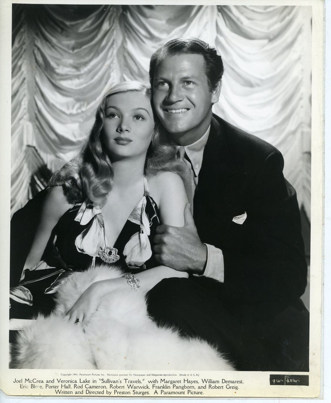 Still of Veronica Lake and Joel McCrea in Sullivan's Travel 1941, directed  by Preston Sturges. Lake was pregnan… | Veronica lake, Classic hollywood,  Hollywood music