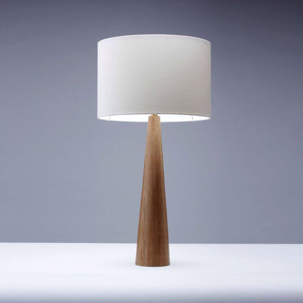 Bois de chêne lampe de table de forme de Cône 61cm (avec