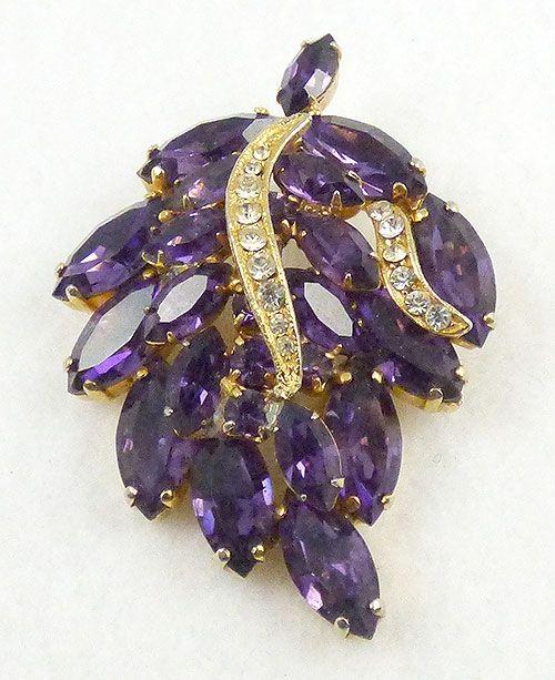 Vintage rhinestone purple brooch /& earrings