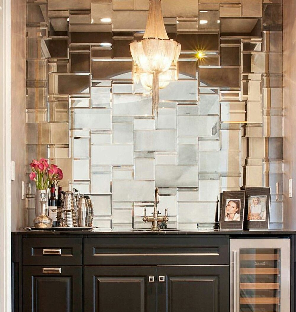 Wet Bar w/mirrored tile wall