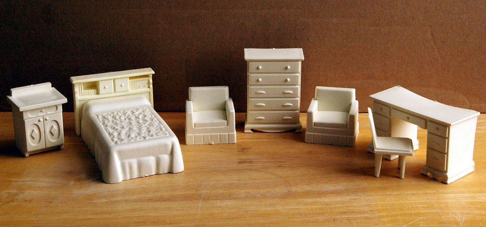White vintage plastic bedroom lounge dolls house furniture chairs