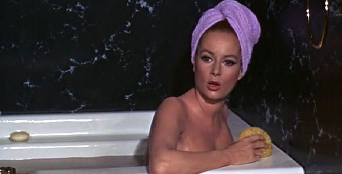 Top 10 Definitive Bond Girls  No10 Fiona Volpe Luciana-3961