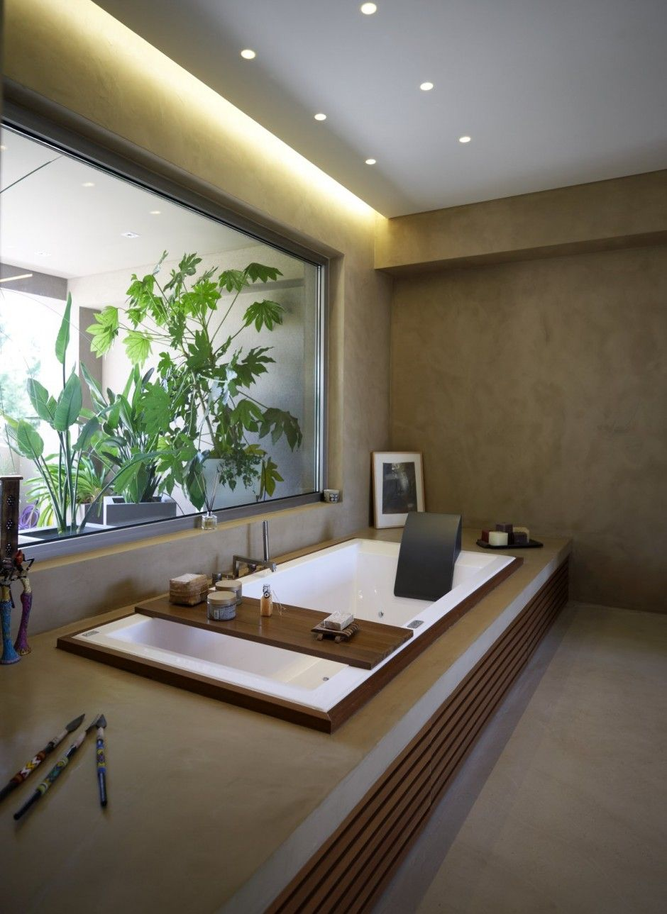 Badewanne mit Ablage