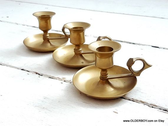 Vtg portable CANDLE HOLDER on plates with handle brass vintage brass single candle holders table candleholders  sc 1 st  Pinterest & Vtg portable CANDLE HOLDER on plates with handle brass vintage brass ...