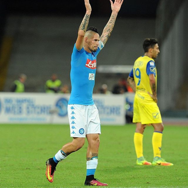 """#Hamsik: """"Tanta gioia: i 1️⃣0️⃣0️⃣ gol in maglia azzurra sono un traguardo straordinario""""  #ForzaNapoliSempre ⚽️ #NapoliChievo 2-0"""