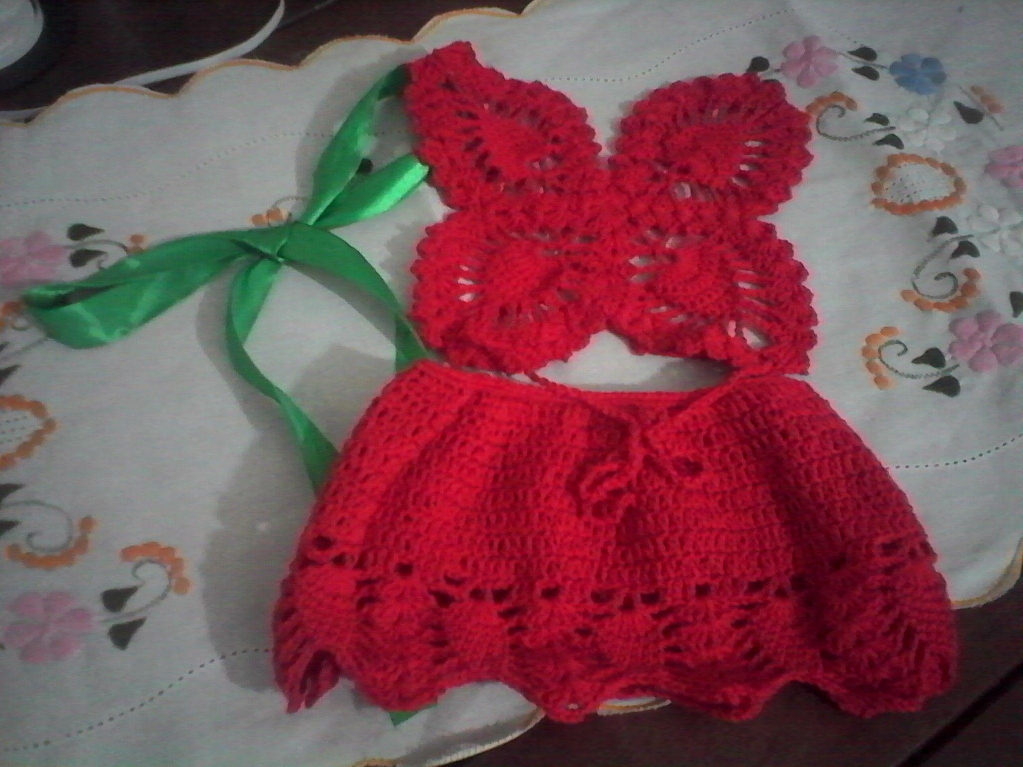 Frente Unica Em Croche Com Formato De Borboleta E Saia Com