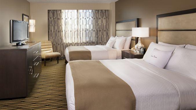 Doubletree Suites By Hilton Hotel Austin Tx Two Queen Beds Suite Bedroom Hotel Hotel Suites Suites
