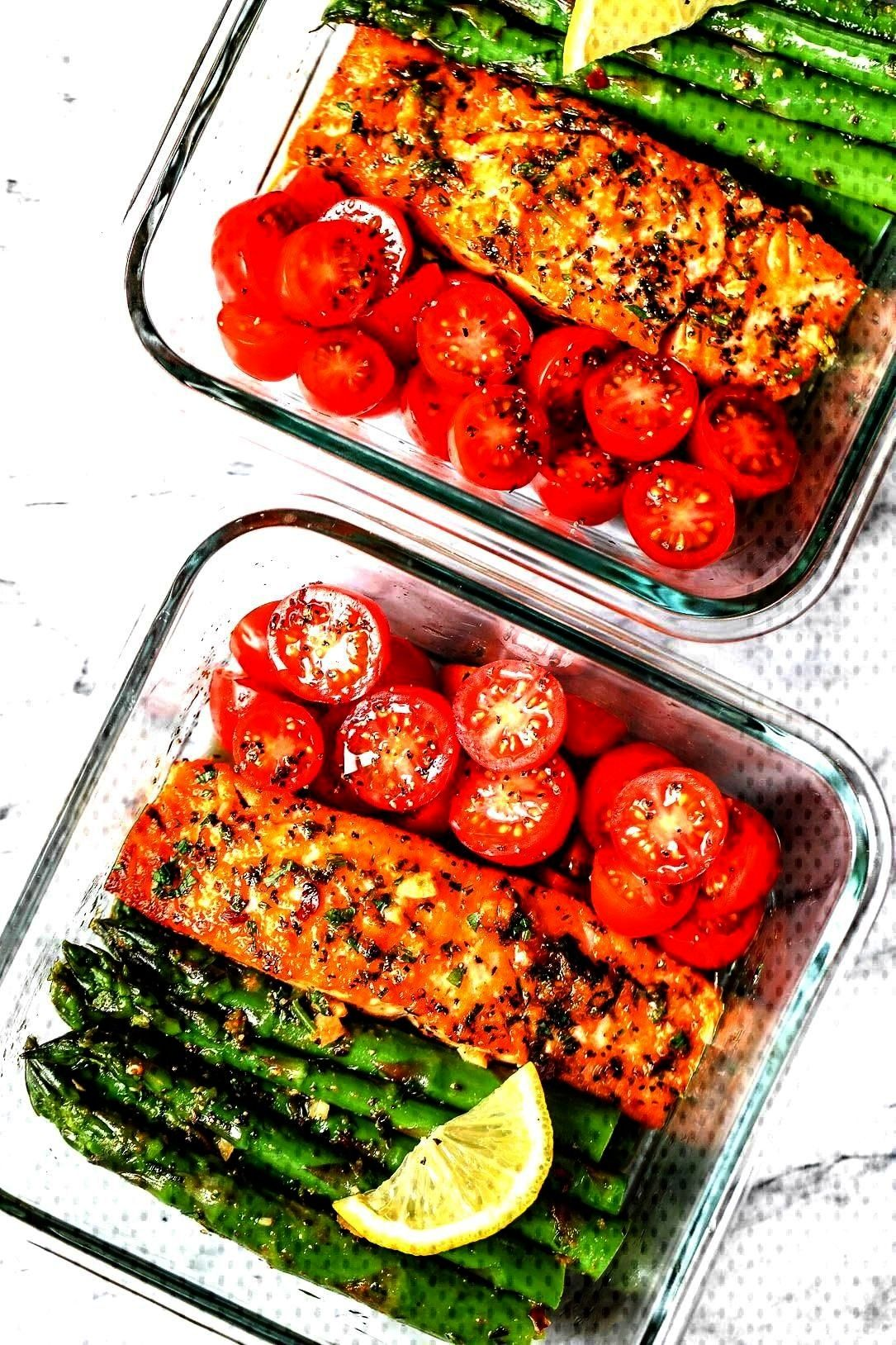Meal-Prep Garlic Butter Salmon with Asparagus - - This easy garlic butter salmon meal prep wMinute