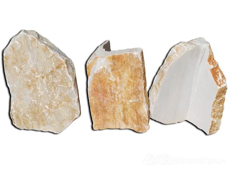 Hoekstukken beperkt in dikte. Ideaal natuursteen voor de wand. Iedereen kan nu een natuurstenen muur realiseren in een handomdraai.