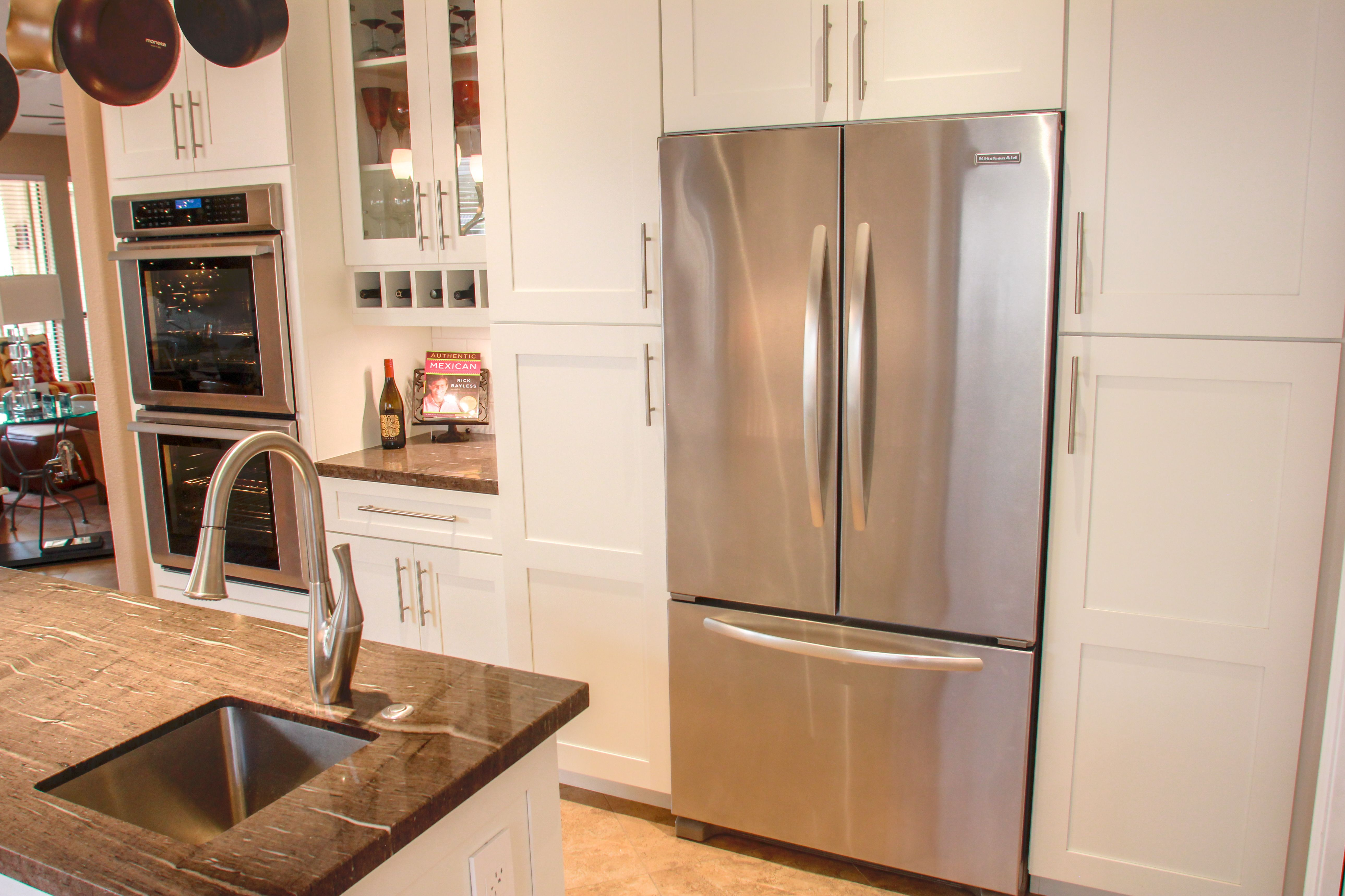 Frameless Kitchen Cabinet Manufacturers Eclipse By Shiloh Cabinetry Wyatt Door Polar Finish Shaker