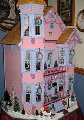 I love Debbie's Victorian Dollhouse!   #victoriandolls