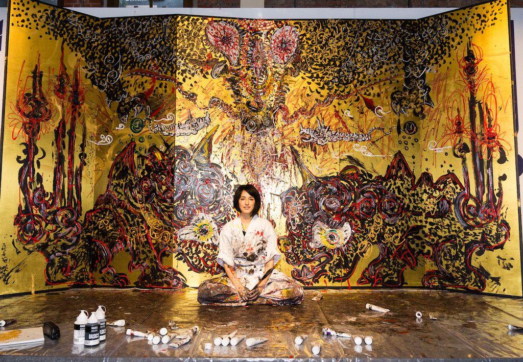 一万部突破 重刷決定 大和力を世界に 世界で活躍する小松美羽さんの自叙伝が3月8日に発売 base mag 日本画 アートのアイデア 美羽