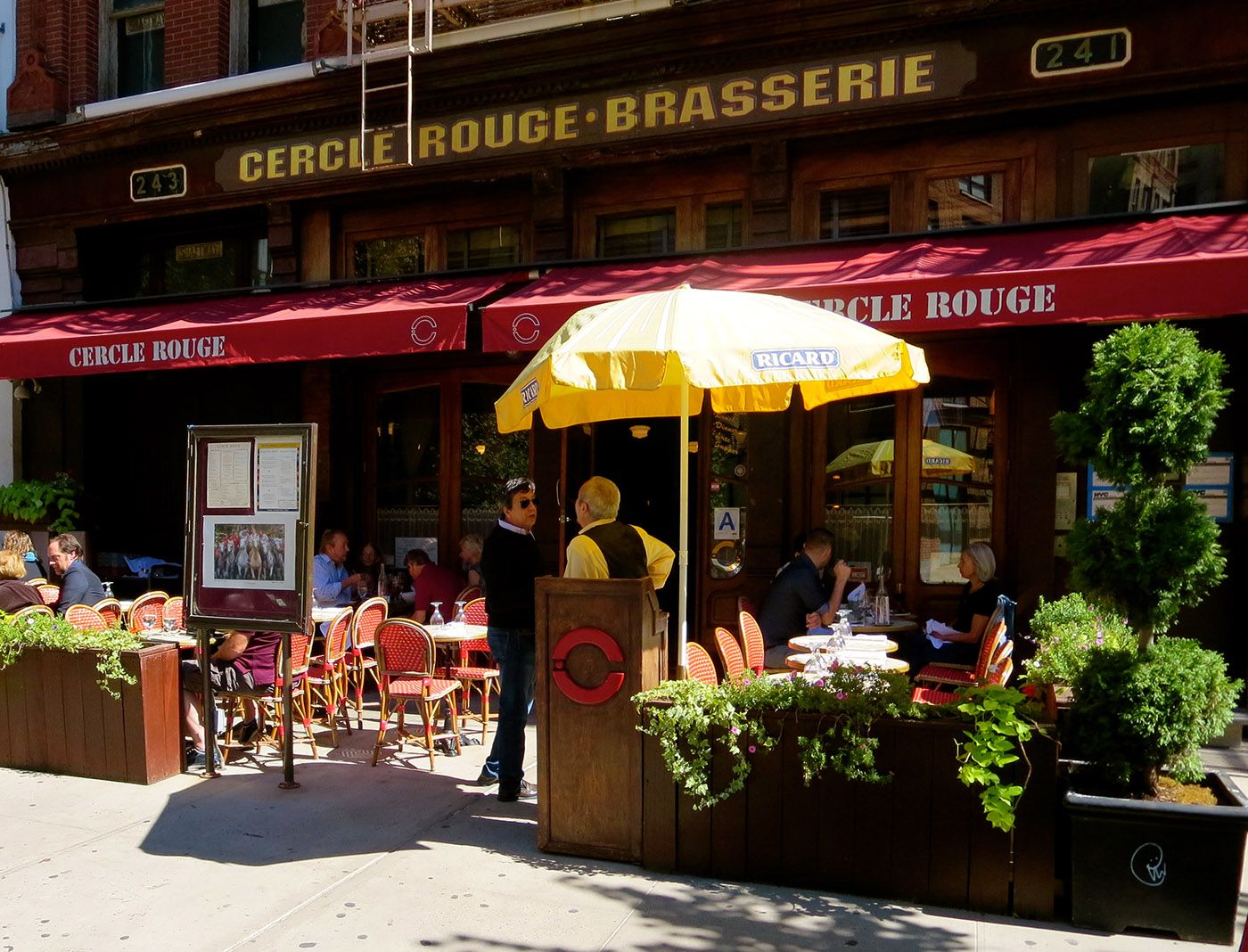 Cercle Rouge 241 W Broadway New York Eats Nyc Broadway News