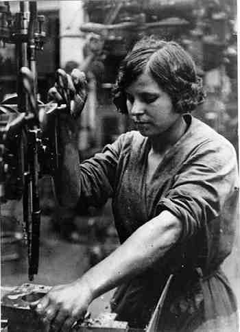 a history on the role of women in the australian workforce and society The webpage contains 37 sub-sections on women in various roles of society, the workforce, economy, politics and the military a very comprehensive insight into the life of a woman in soviet russia role in the workplace and politics.