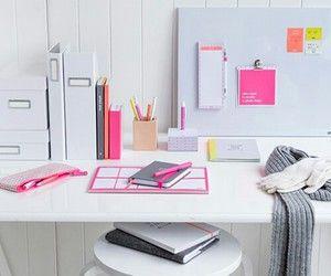 Pin By Romane Vannier On Work Work Work Work In 2020 Pretty Office Space Home Desk Inspiration