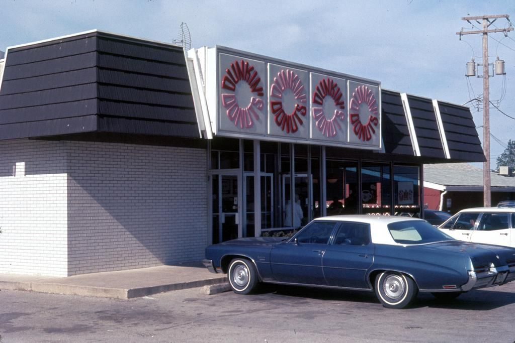 Retro Dunkin' Donuts restaurant  This is what the very first