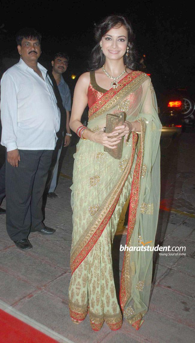 Dia Mirza Laila Khan S Wedding Reception Photo Gallery Laila Khan S Wedding Reception Stills Laila Khan S Weddin Exclusive Dress Indian Fashion Indian Sarees