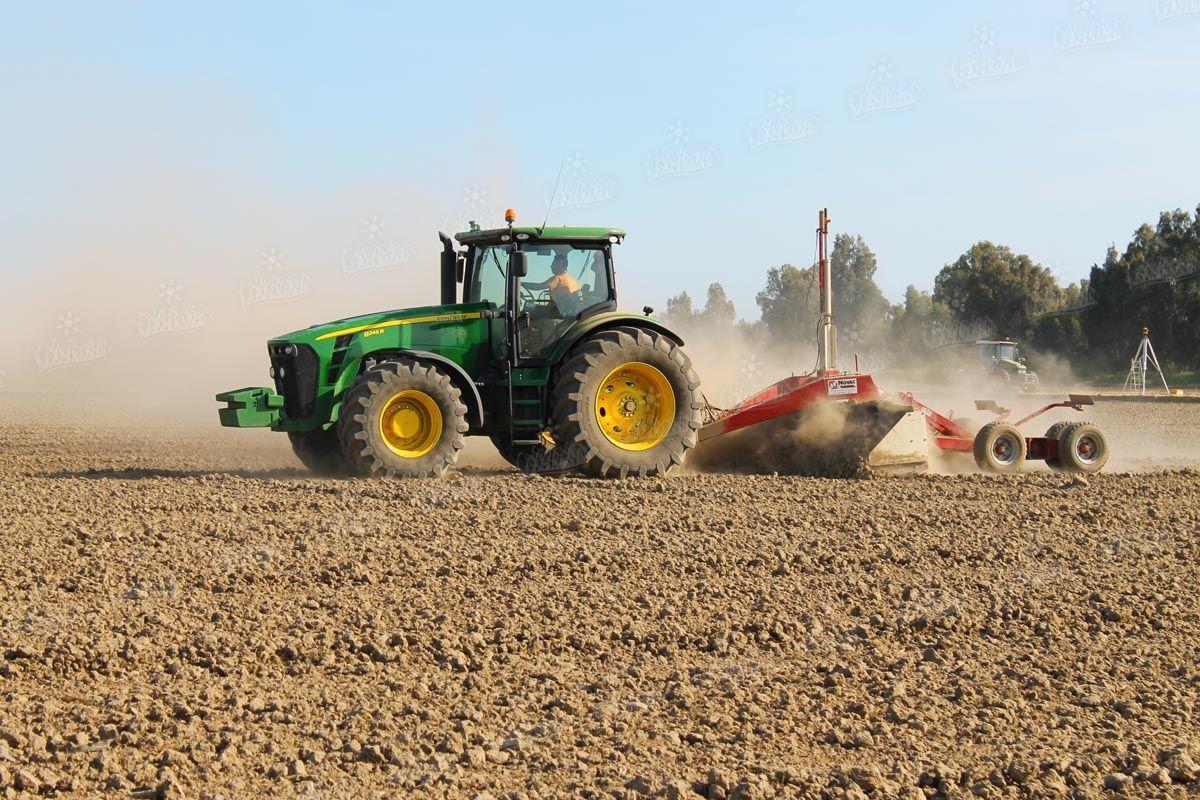 Il livellamento del terreno una parte assolutamente for Terreni piantati a meli