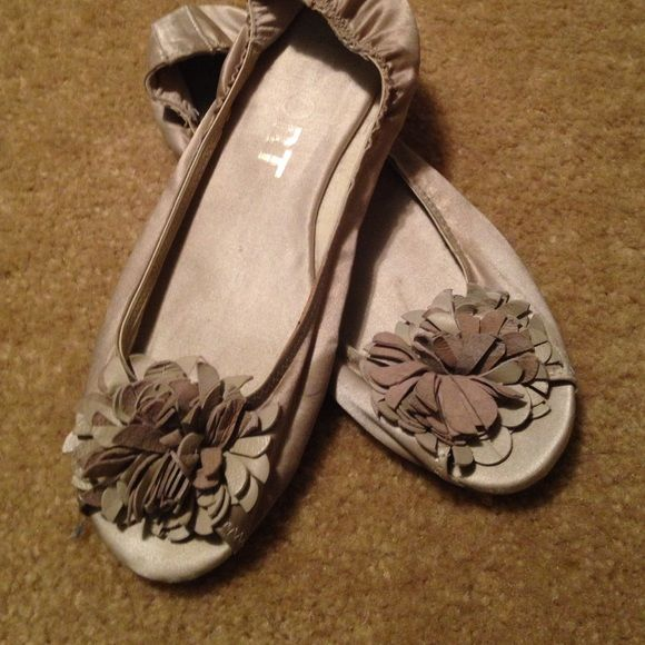 Silver ballet flats Some wear but great condition Report Shoes Flats & Loafers