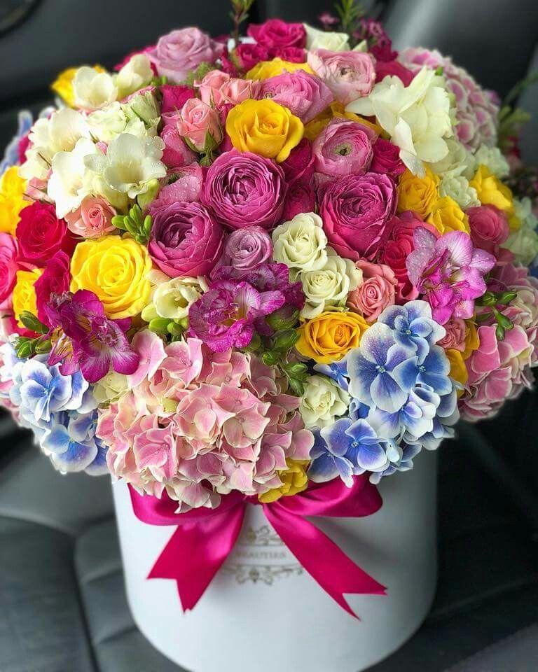 Pin By محمد حسين الدخاني On Cvety V Korobkah Flowers Bouquet Gift Beautiful Flowers Photography Beautiful Flower Arrangements