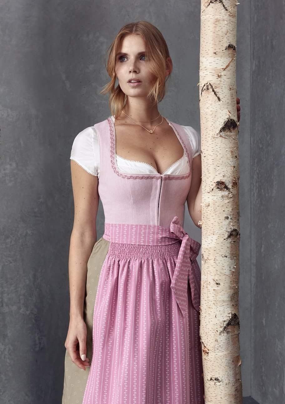 pin von txf auf heaven on earth in 2019 dirndl dirndl trachten und kinga mathe. Black Bedroom Furniture Sets. Home Design Ideas