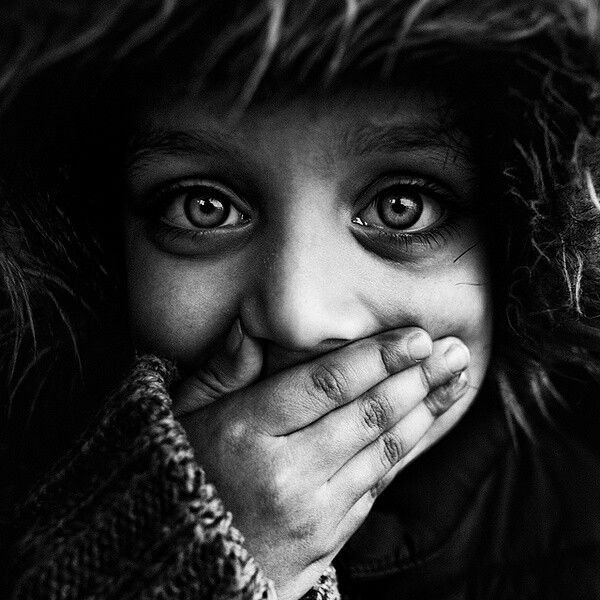 40 stunning examples of black and white portrait photography of 41 photos