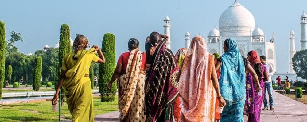 """""""Viaggio tra i colori dell'India"""" - Una suggestiva mostra fotografica presso il Ba-Bar-T che porterà i visitatori nelle coloratissime atmosfere delle città indiane. #Napoli #Naples #events"""