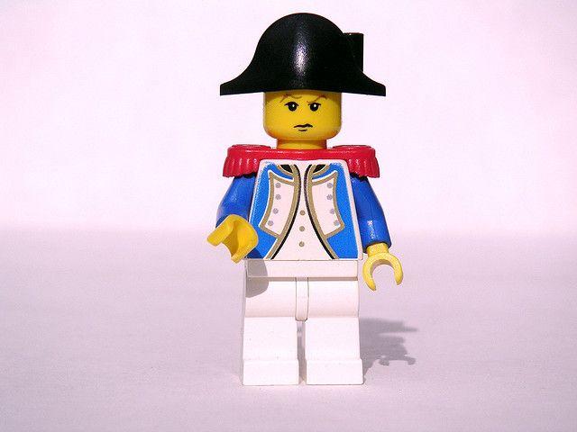 Num artigo anterior, falei no caso de Napoleão Bonaparte, que criou entre os seus soldados um espírito de equipa em que faziam mais pelo reconhecimento do que pelo dinheiro extra no vencimento. Acredites ou não, é uma situação que as aplica sempre, em todas as situações: http://checkthisout.me/napoleao-e-o-reconhecimento +info: http://atrairclientes.com/