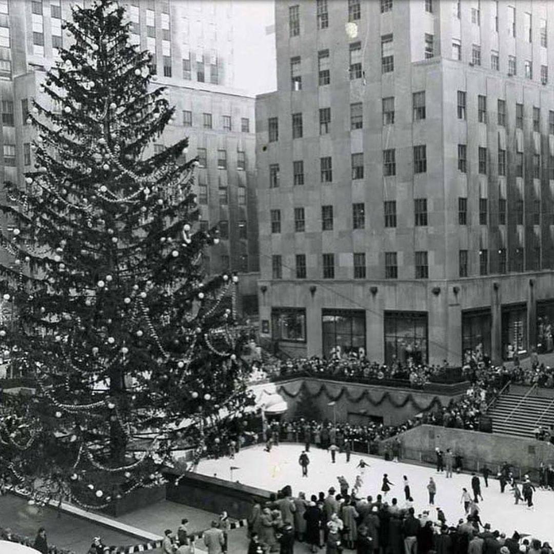 "Rockefeller Christmas Tree 2020 Scaffolding Rockefeller Center on Instagram: ""A Christmas innovation"