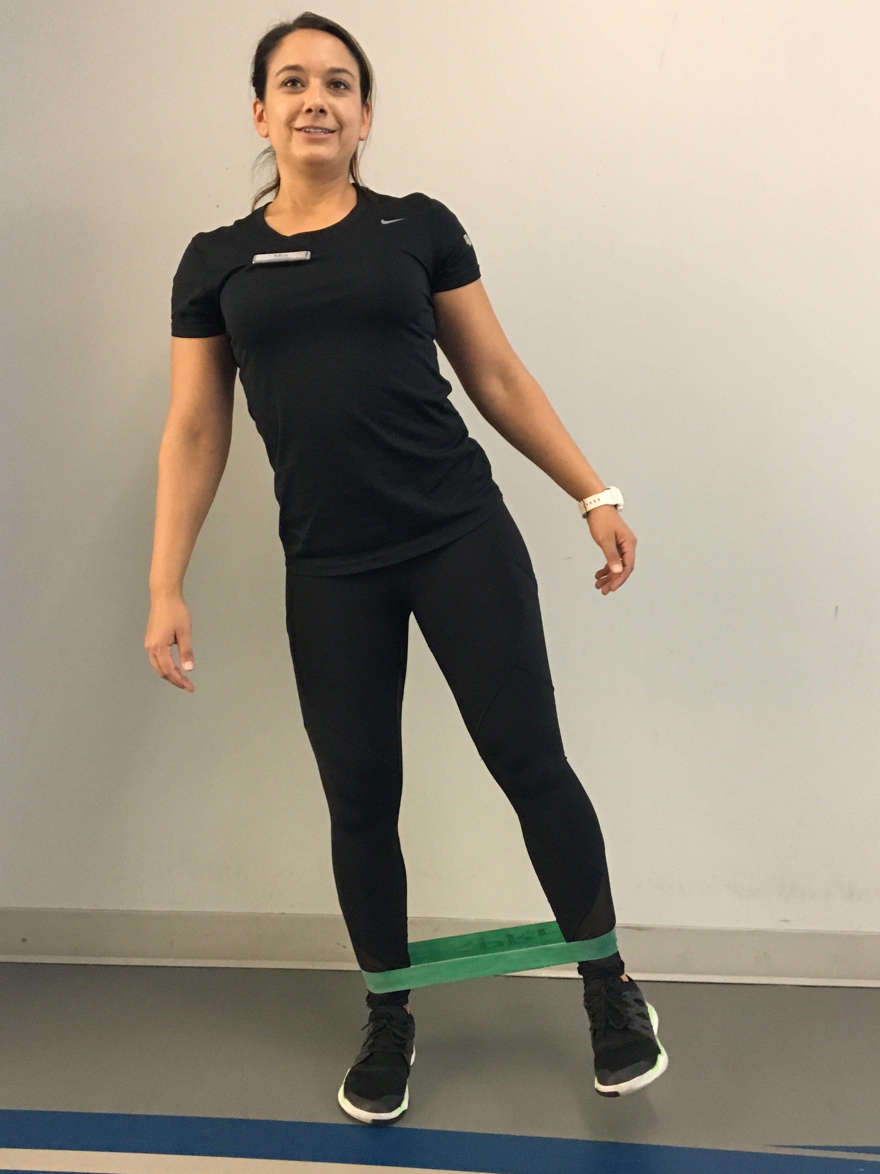 Full body focus pillar prep leg circle with mini band