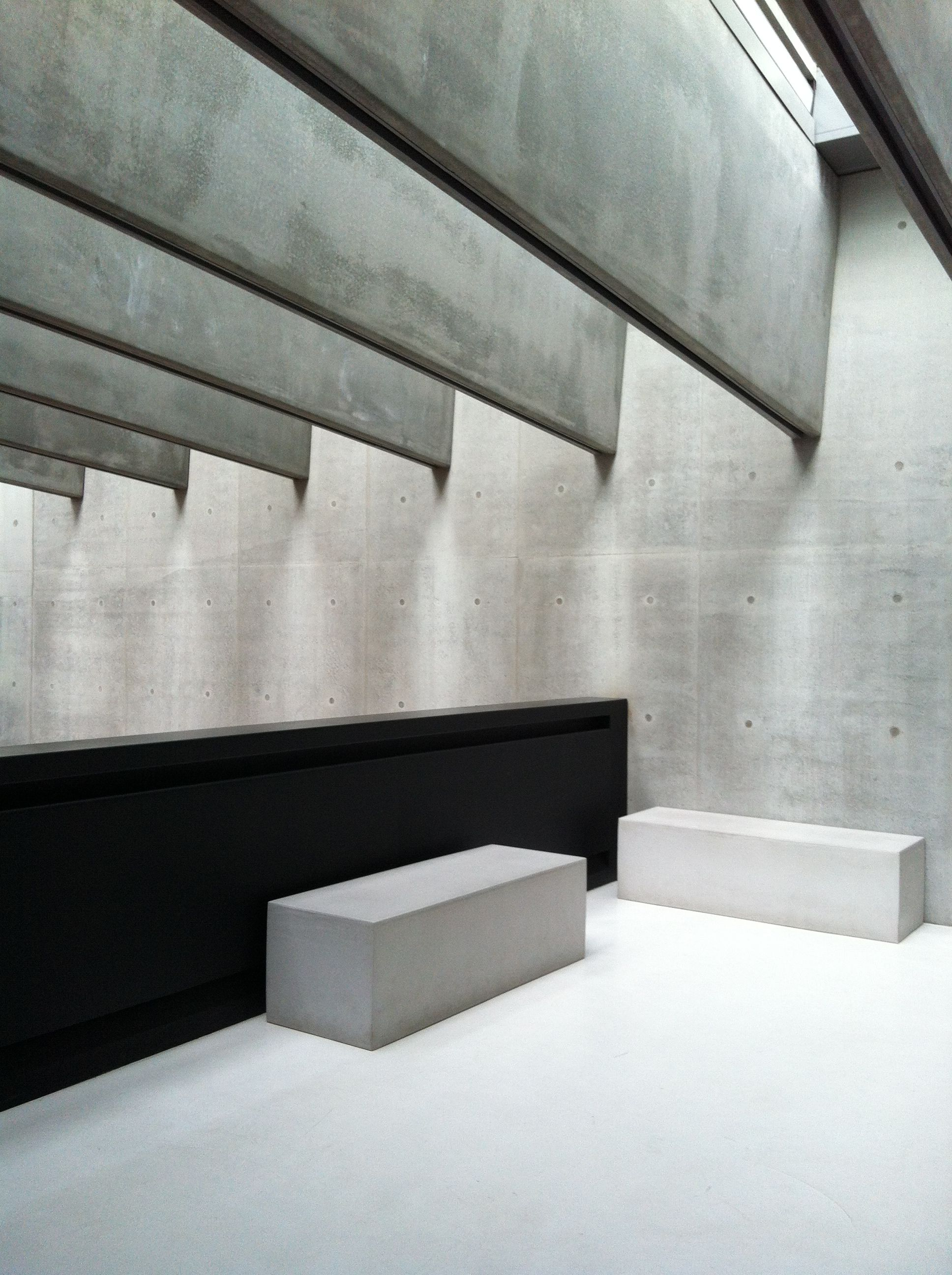 Massive concrete beams bench Perfect in