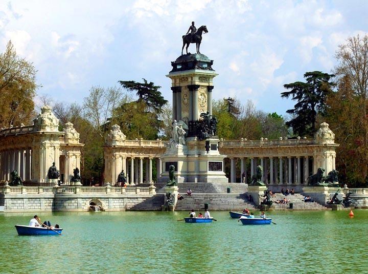 Grande Stagno Parco Del Buen Retiro Madrid Spagna Madrid Domingo Spagna