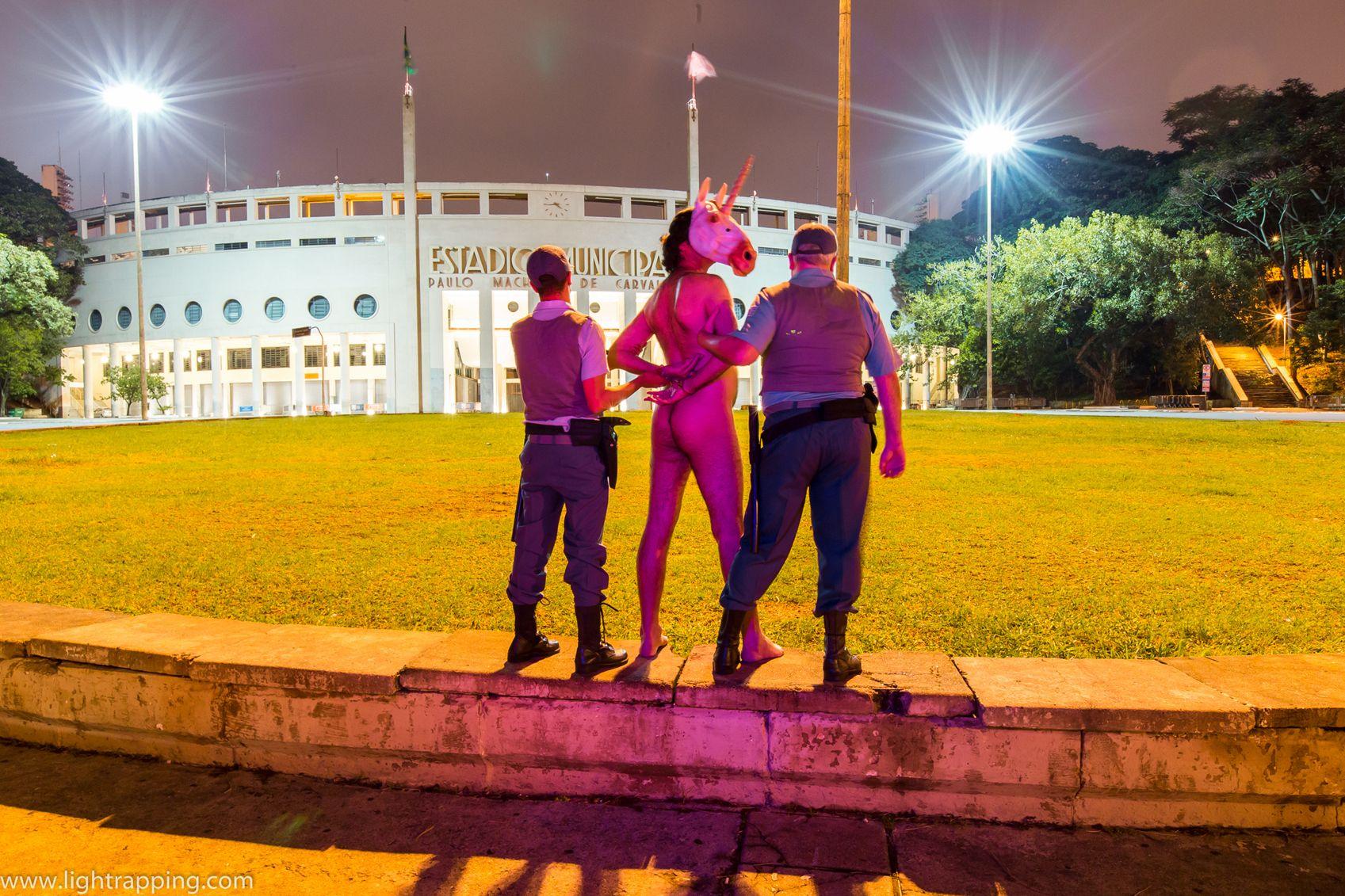 #031_ Lightrapping (de Marcio Miranda Perez, SP, 2016), visto em DCP em 25/01/2016 na 19ª Mostra de Cinema de Tiradentes