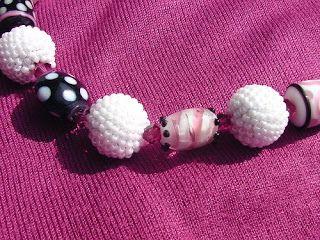 Lusyl: Häkelperlenkugeln und lampwork beads