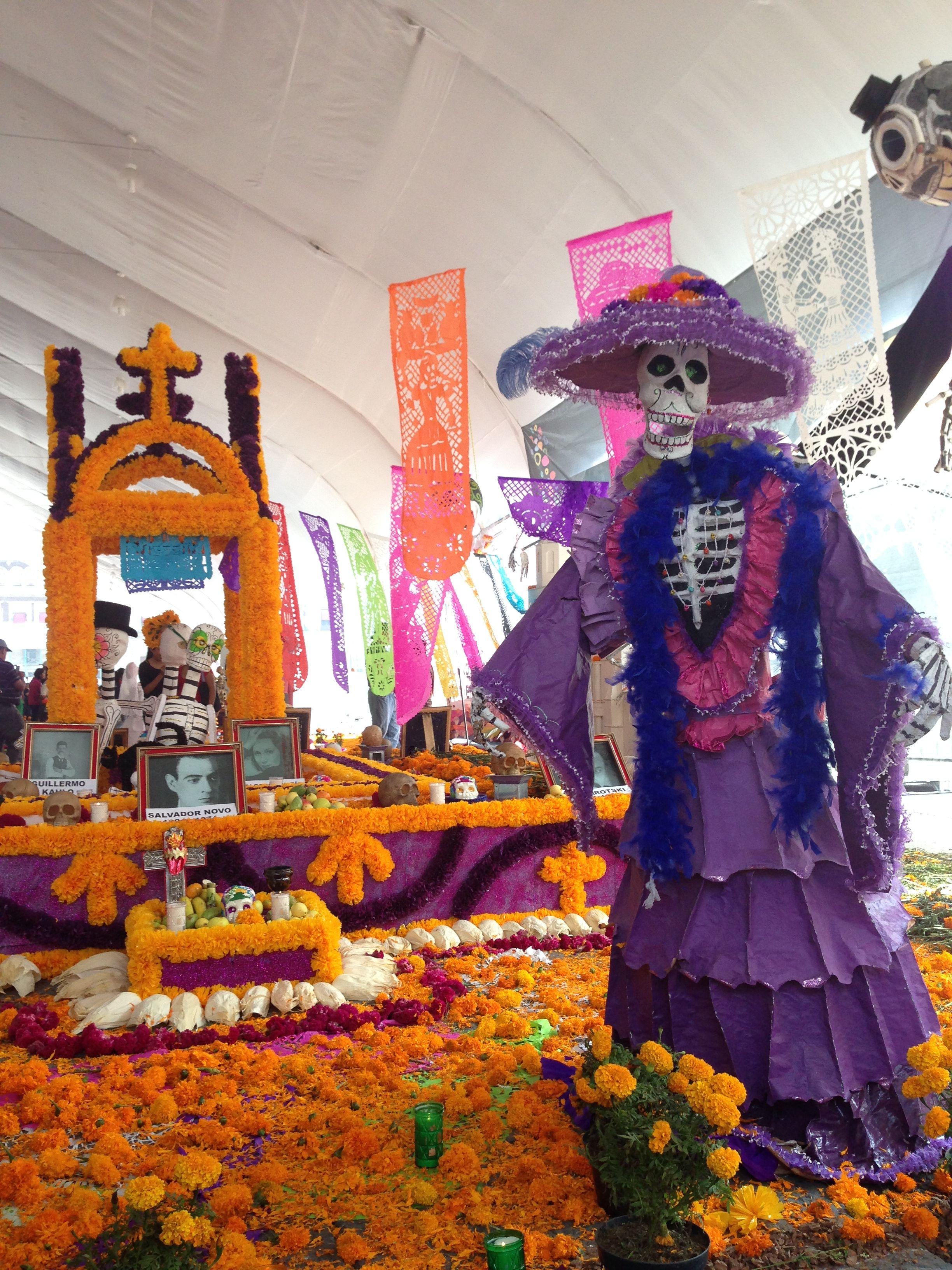Ofrenda Día de Muertos en el Zócalo 2013. Dia de muertos