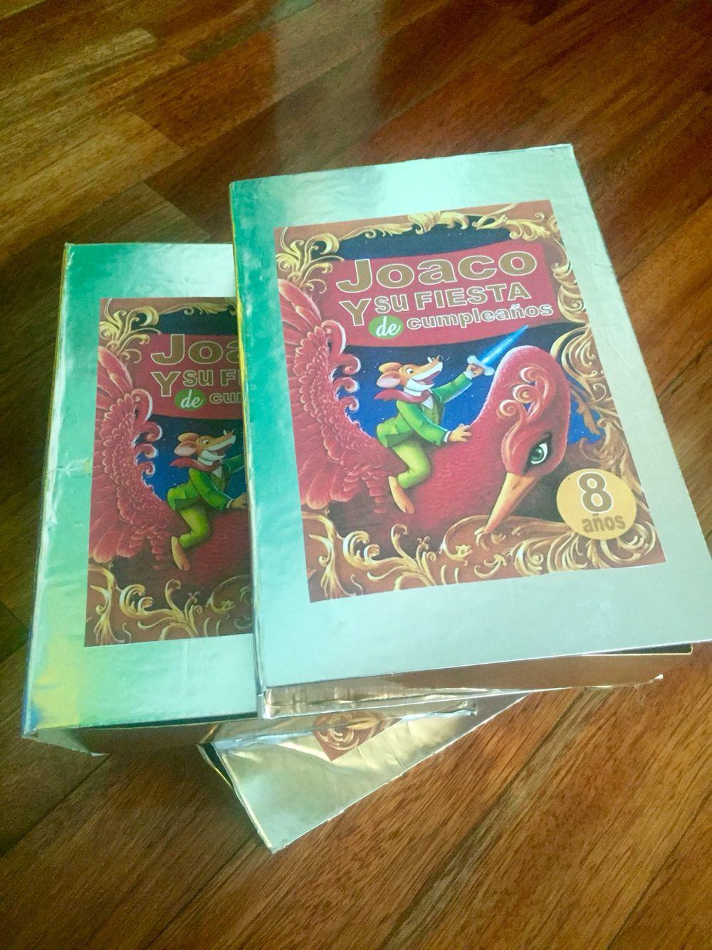 Invitación en forma de libro  Gran Libro del Reino de la Fantasía