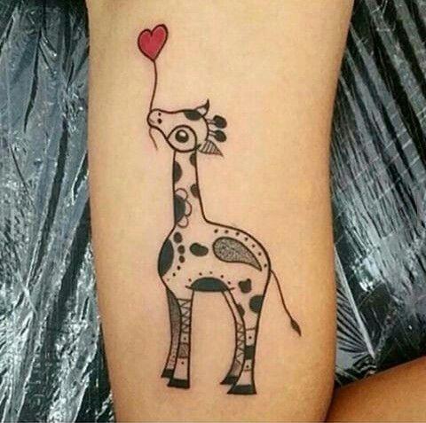 Tatuaje Jirafa Tatuajes De Jirafa Pequenos Tatuajes Femeninos Tatuajes Pequenos