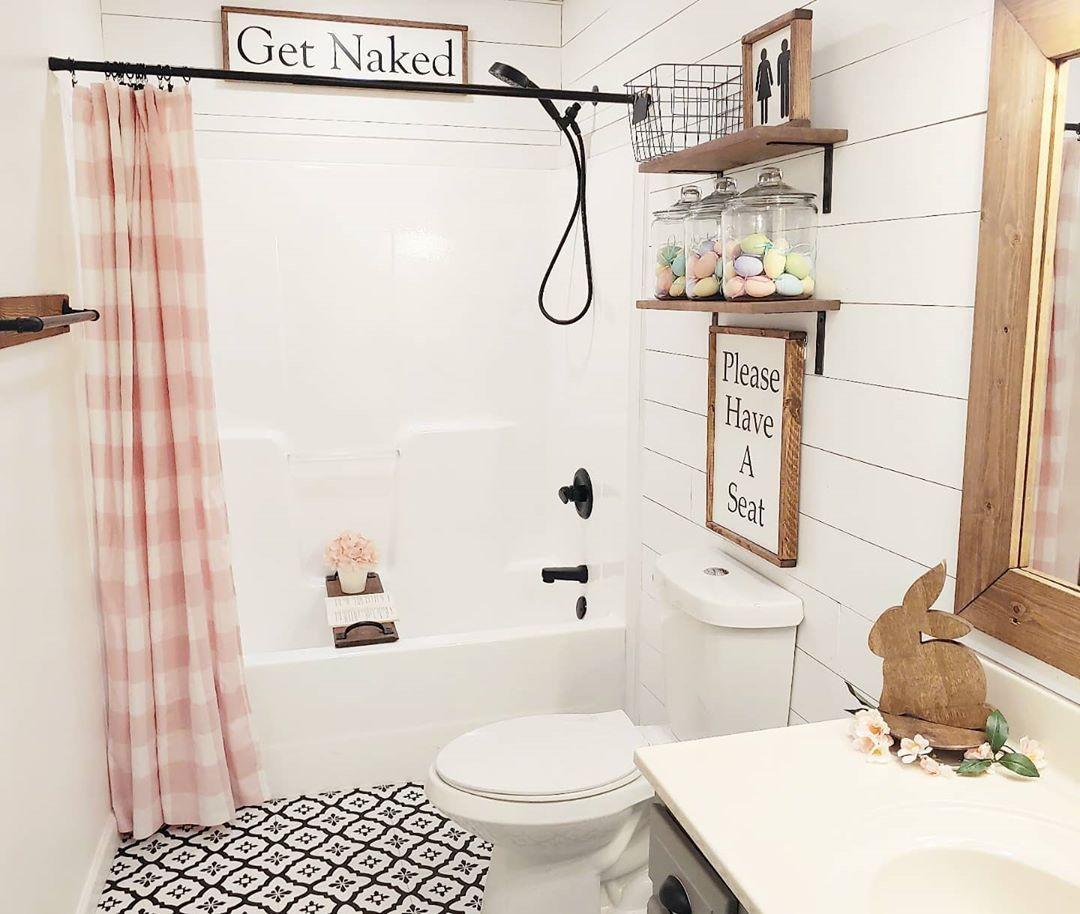 Farmhouse Easter Decor. Easter Bathroom. DIY Easter decor. Cottage