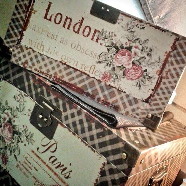 Baules London Paris  http://www.lamparasyregalos.es/seleccionar-producto.php?producto=1359