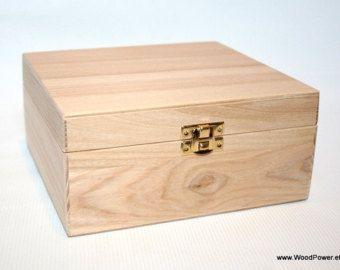 wooden gift and keepsake box with padlock large storage box dark brown box padlock box. Black Bedroom Furniture Sets. Home Design Ideas