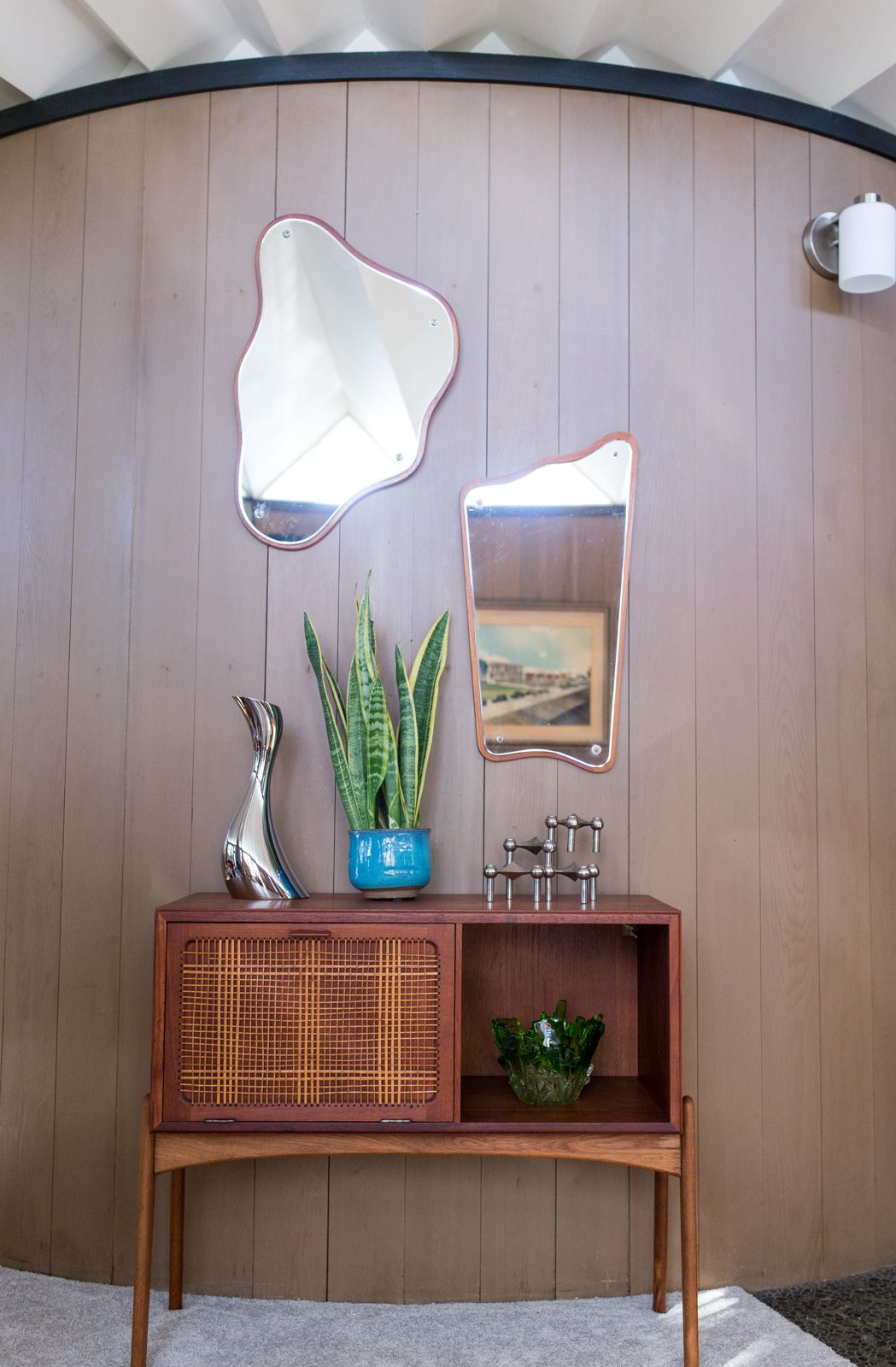 House tour a round mid century time capsule in oakland california